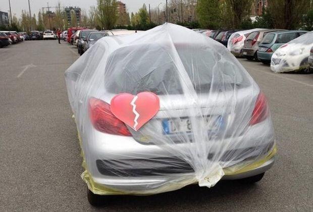 Fiat pakt auto's van ontrouwe medewerkers in