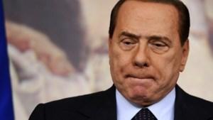 Rechter stuurt Berlusconi naar bejaardenhuis