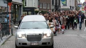 Ruim 500 mensen op pakkend afscheid uitbater Martinique