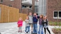 Kinderopvang naast flats voor alleenstaande ouders