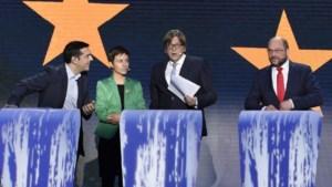Extreem-links richt pijlen op Verhofstadt tijdens Europadebat