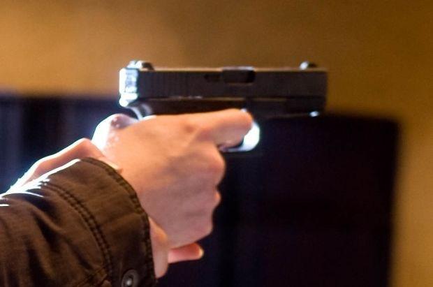 Mislukte test op kogelvrij vest: vrouw schiet vriend dood