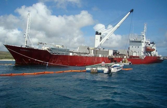 Vastgelopen vrachtschip brengt Galápagoseilanden in gevaar