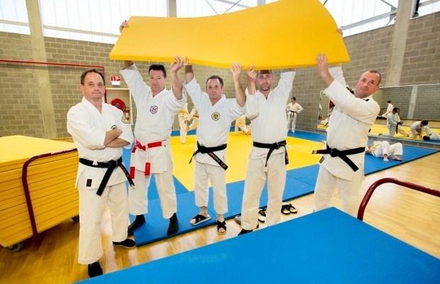 Schepencollege stelt alternatief voor aan gevechtsportclubs