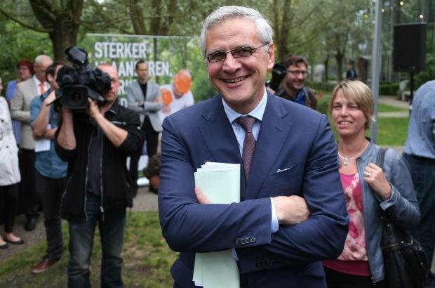 """Peeters: """"Is het nieuws dat De Wever kandidaat-premier is?"""""""