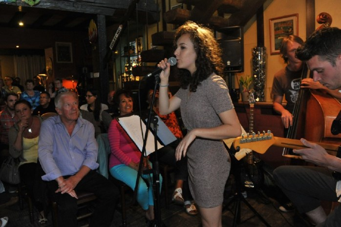 The Voice-finaliste Dunja treedt op in 't Ankertje aan de Dijle
