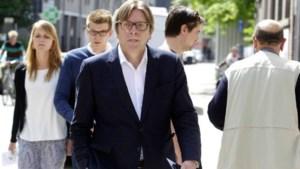 Verhofstadt reageert aangeslagen op aanslag in Brussel