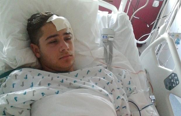 Tiener geslagen met spijkerstok: verdachte blijft in cel