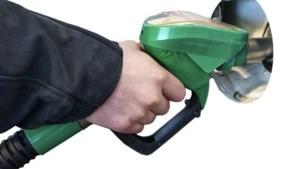 Man laat twintigtal wagens tanken met tankkaart van werkgever