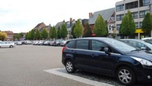 Mobiele applicatie loodst bestuurder naar vrije parkeerplaats