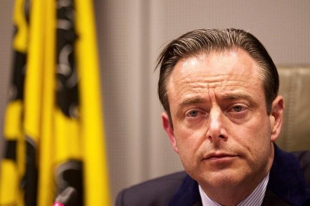ACW waarschuwt De Wever