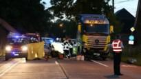 46-jarige bestuurster komt om na ongeval met vrachtwagen