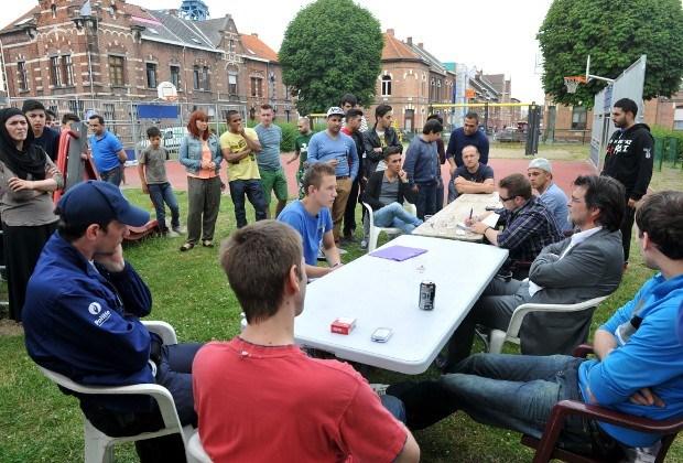 Jongeren in dialoog met buurt over speelplein