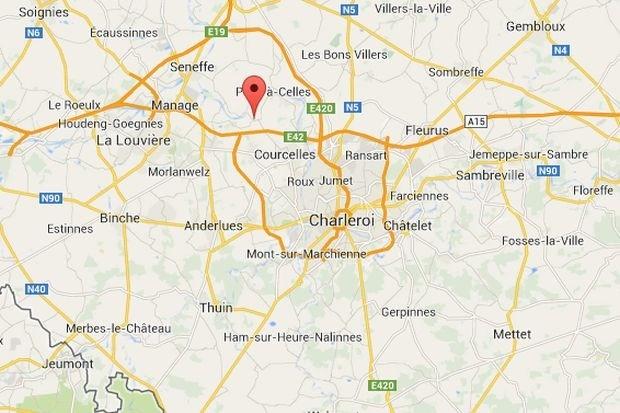 Auto ruim twee kilometer meegesleurd door vrachtwagen op E42 in Henegouwen