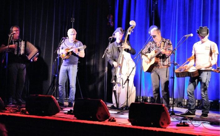 Bluegrass en Titsenbier lokt ook Finnen