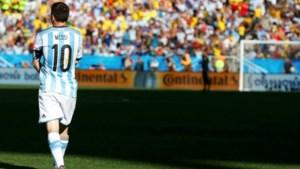 Poseer in uw Messi-outfit