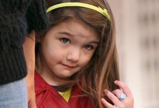Dochter Tom Cruise krijgt dezelfde designerhandtas als moeder