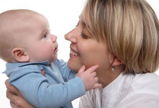 Baby kan reeds twee talen onderscheiden