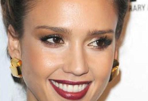 Jessica Alba: paparazzi voelen aan als seks in het openbaar
