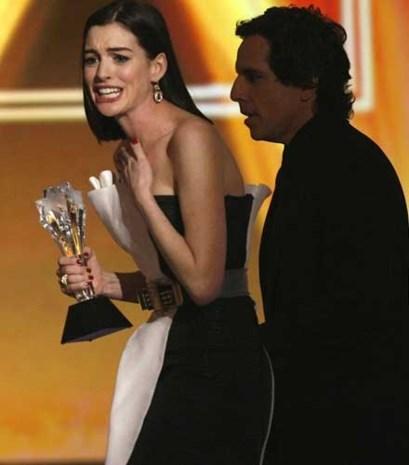 Anne Hathaway kaapt award weg van Meryl Streep