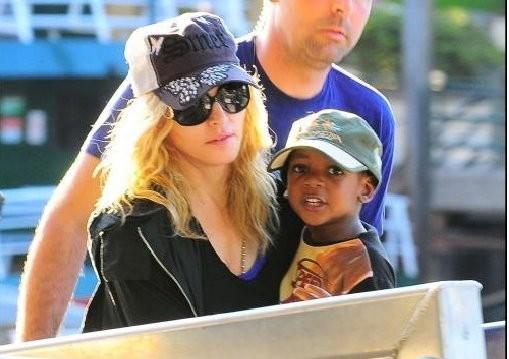Paparazzo pleit onschuldig voor val Madonna