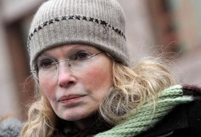 Mia Farrow rouwt om zelfmoord broer