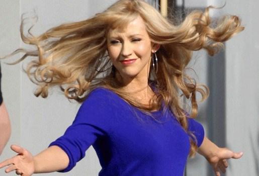Zoontje Christina Aguilera herkent haar niet door pruik