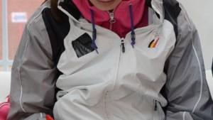 Tanja Dexters krijgt looples van Kim Gevaert