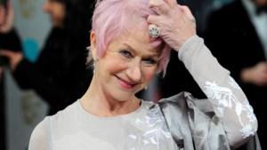 Helen Mirren verbluft met roze haar