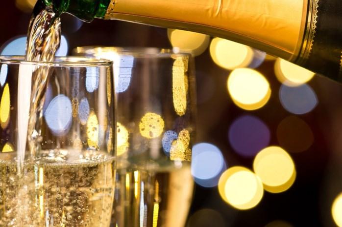 """""""Van cava en champagne word je sneller dronken"""""""