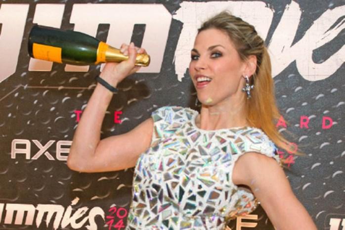 """Enkel cava op feestje? """"Dan brengt Tanja Dexters haar eigen champagne mee"""""""