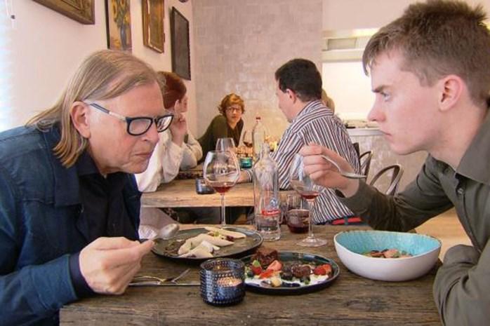 """""""Asperges moet je met je handen eten""""   ook dit voedsel smaakt het best zonder mes of vork"""